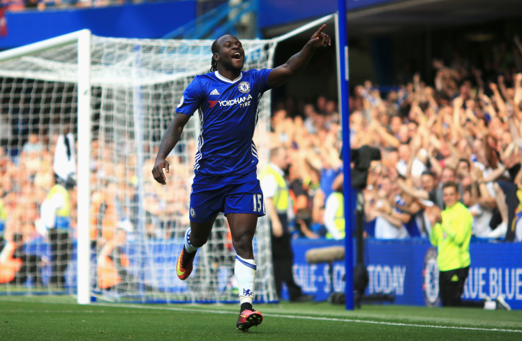 LONDON, ENGLAND - AUGUST 27:  Victor Moses of Chelsea celebrates scoring his sides third goal during the Premier League match between Chelsea and Burnley at Stamford Bridge on August 27, 2016 in London, England.  (Photo by Ben Hoskins/Getty Images)