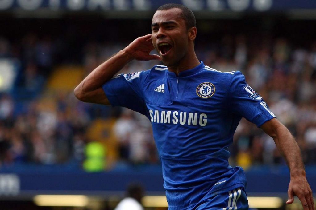 Ashley Cole picks Chelsea over Arsenal in the race for top four
