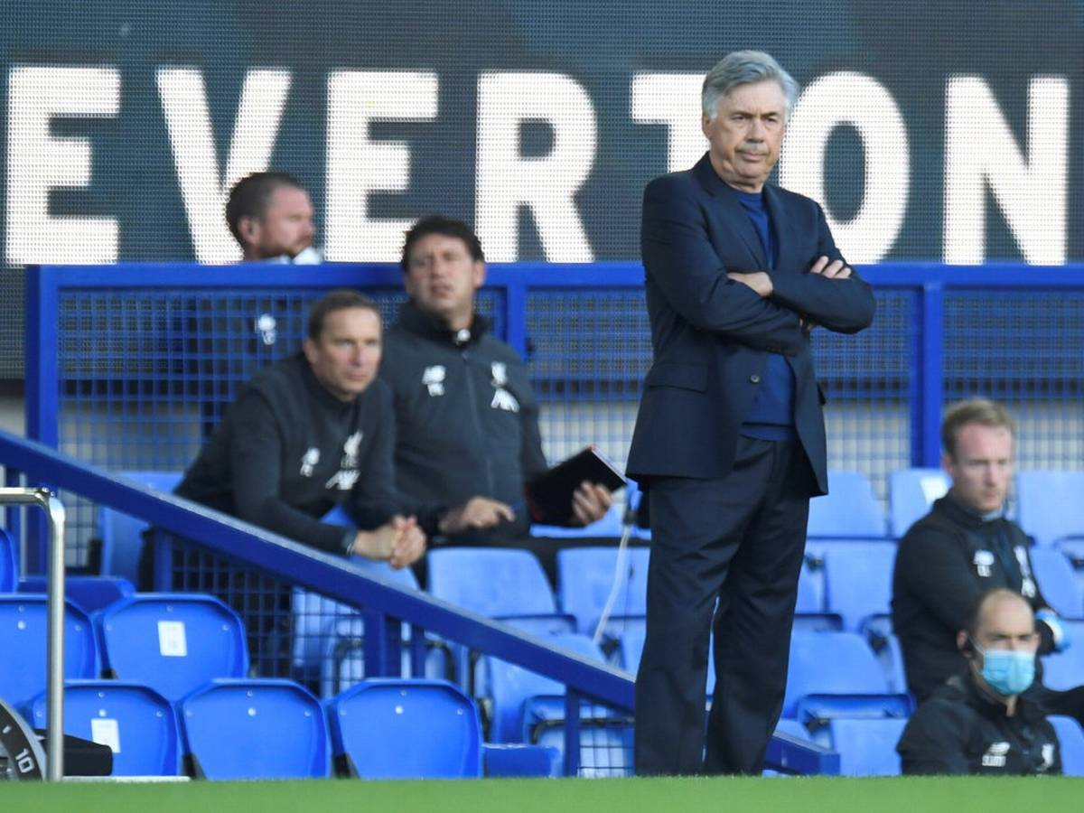 Former Chelsea boss Carlo Ancelotti is in charge of Everton