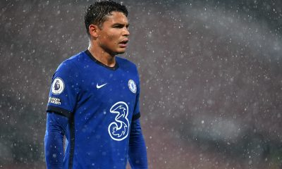 Chelsea want to offer Thiago Silva a new contract.