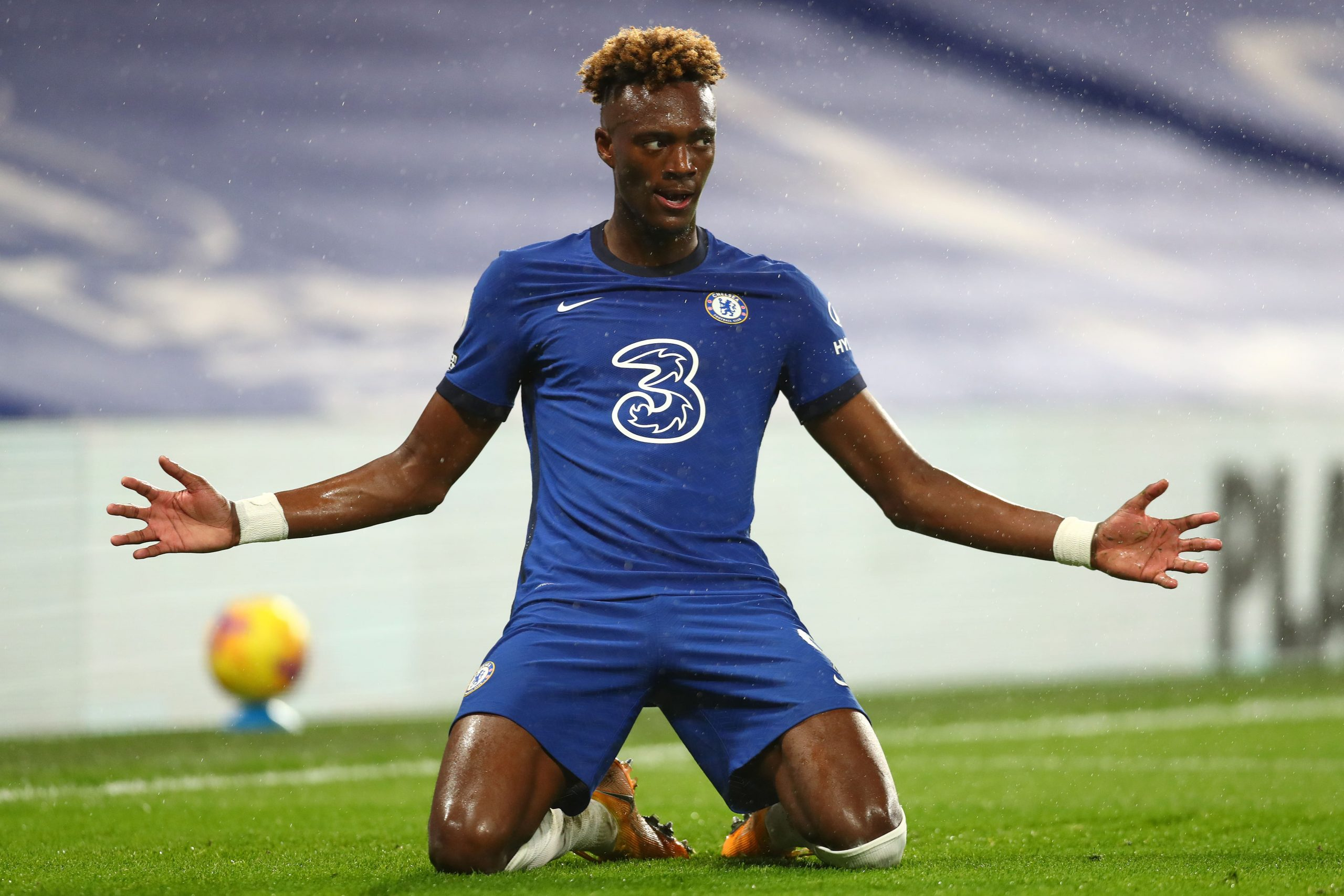 Tammy Abraham thinks Chelsea signings are underperforming due to lack of time in the training ground together.