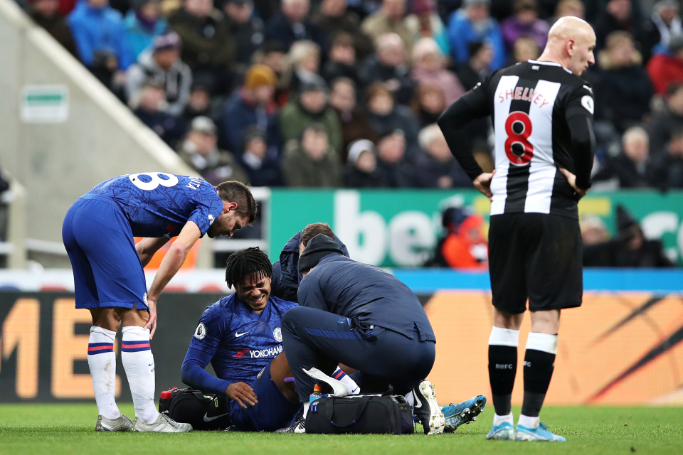 Chelsea right-back, Reece James may be forced to undergo knee surgery after he felt pain and fluis in his knee during training.