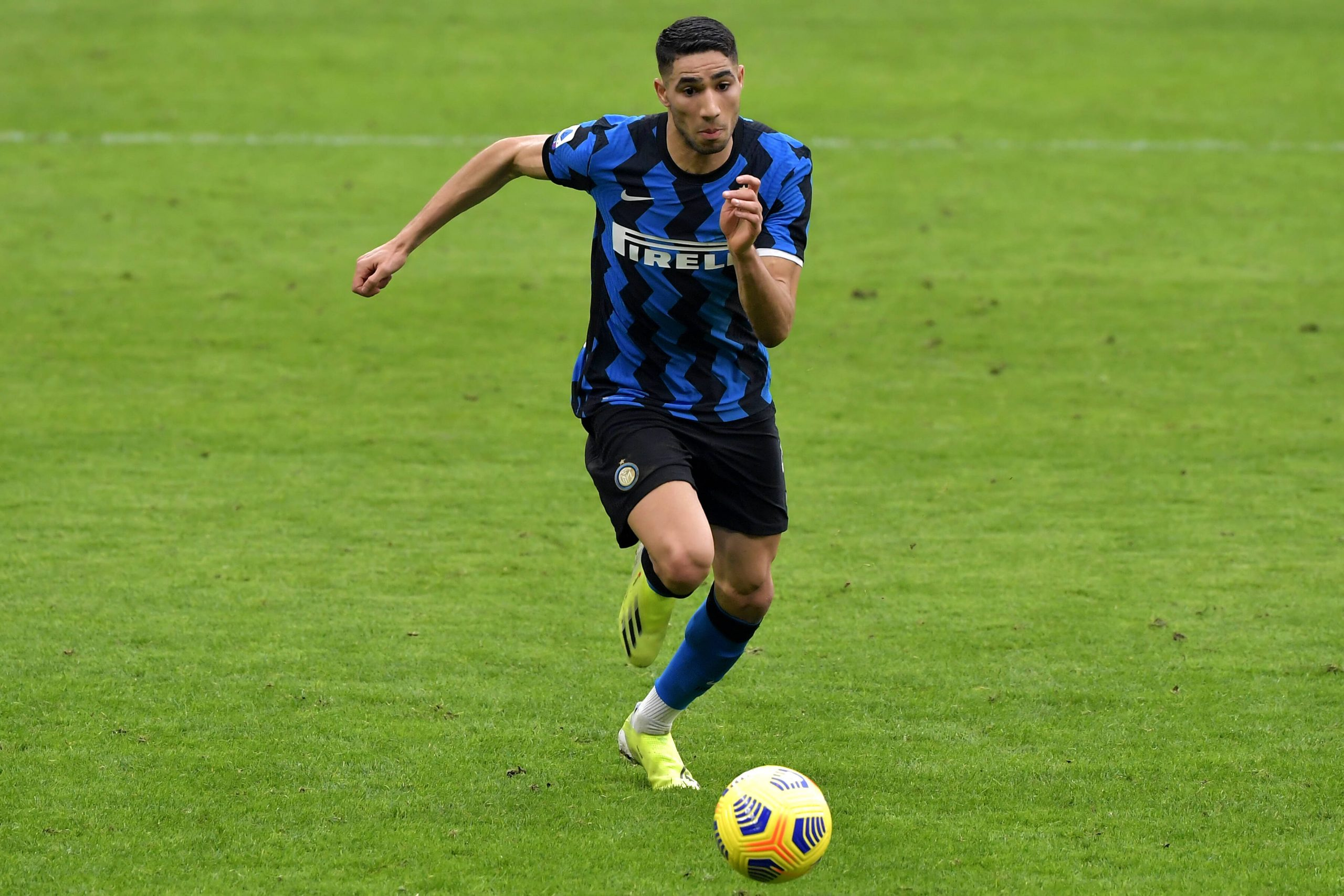 Achraf Hakimi of FC Internazionale in action