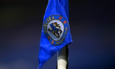 The Chelsea logo on the corner flag at Stamford Bridge. (imago Images)