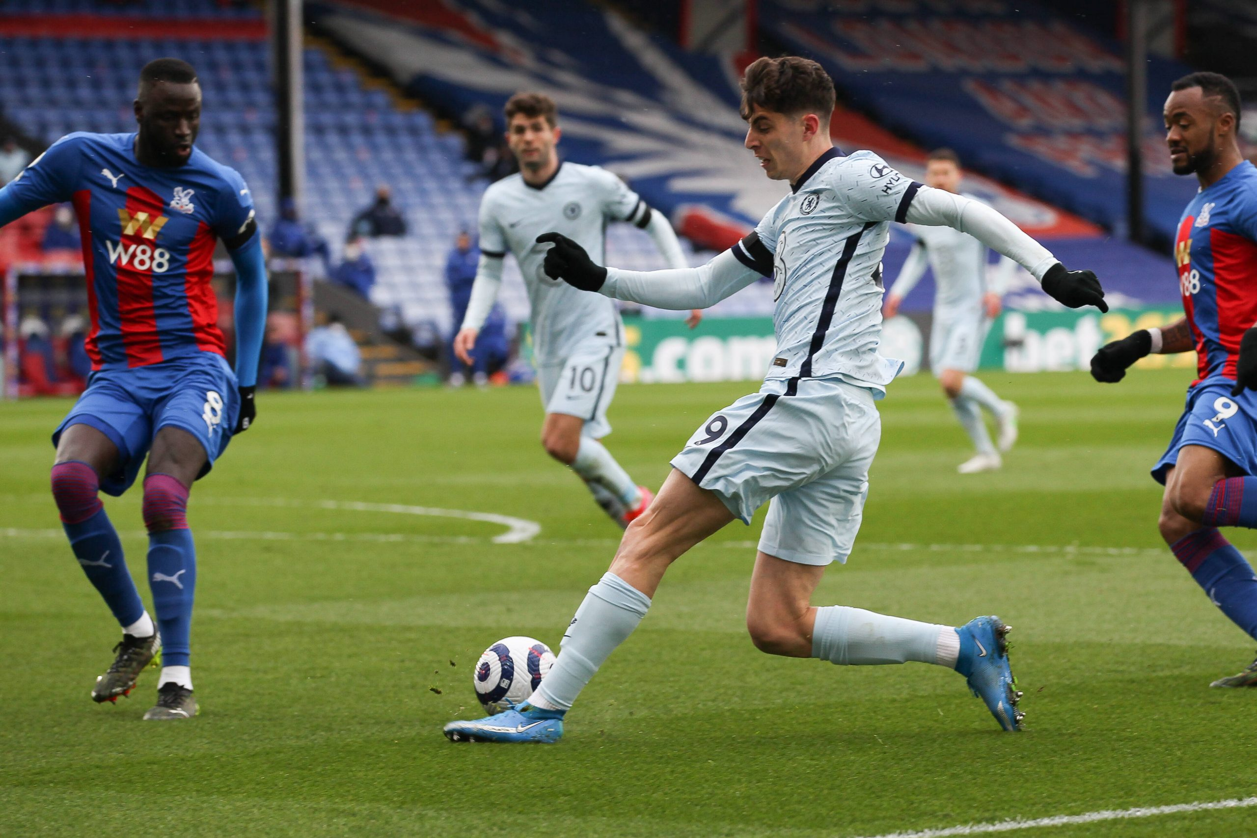 Kai Havertz of Chelsea sets up Christian Pulisic to score a gaol against Crystal Palace.